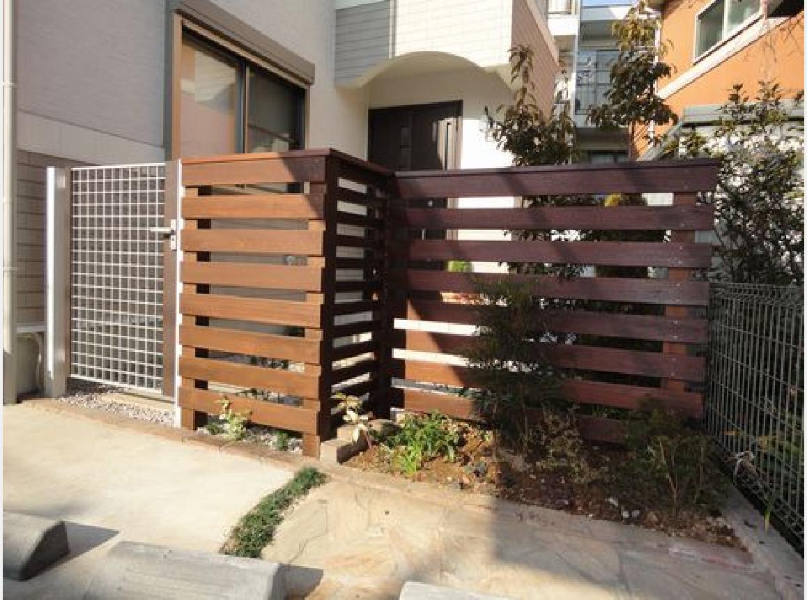 新しく門扉とフェンスを設置